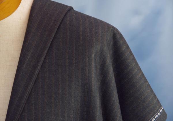 ■KITON・世界最高級サキソニー生地・カシミア100%・濃いグレー