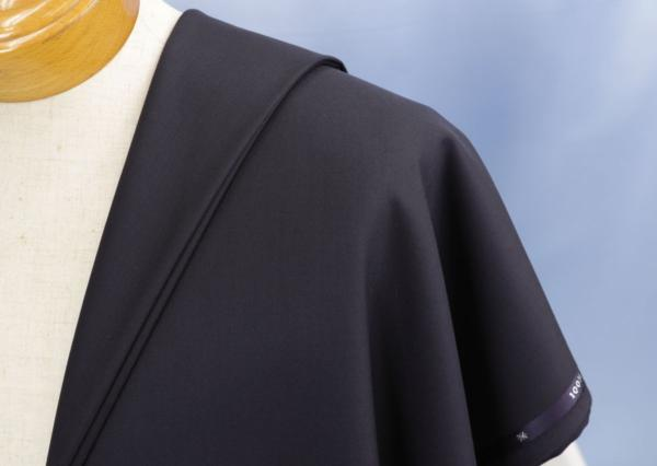 ■最高級カシミア100%のスーツ生地!名門「ミノバ社」の濃紺無地・羽衣のように気持ちいい。