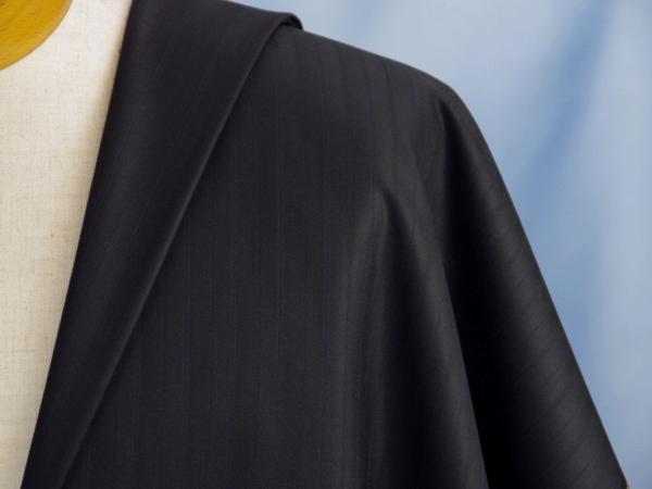 ■ゼニアのスーツ生地・最高級15ミルミル・ほぼ黒の縦織柄
